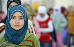 Syriangirlingreensweatersmall